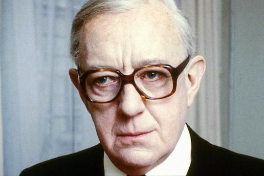 george_smiley_alec_guinness