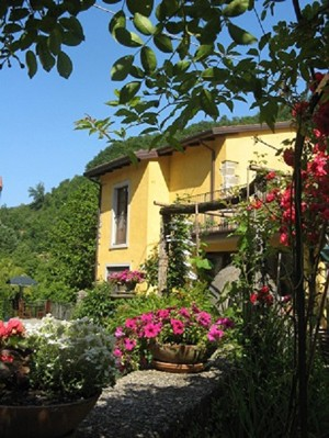 Mill courtyard300